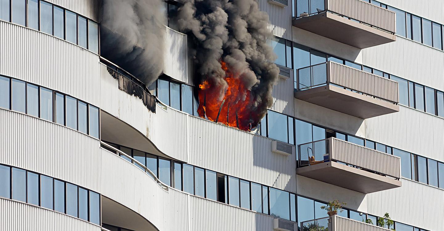 Incendie flamme feu immeuble
