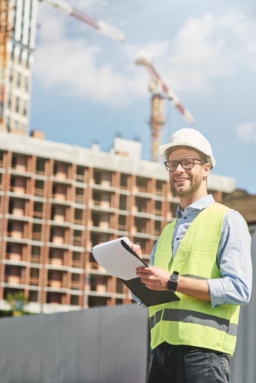 technicienne-diagnostics-immobiliers-socotec-id-school